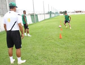 Eltinho realiza trabalhos físicos no Coritiba, após ser liberado do DM (Foto: Divulgação / Site oficial do Coritiba)