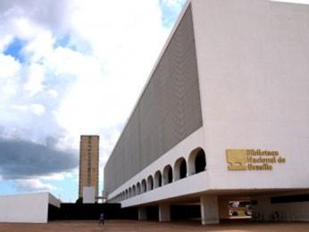 Fachada da Biblioteca Nacional de Brasília, na Esplanada dos Ministérios (Foto: Mary Leal/GDF)