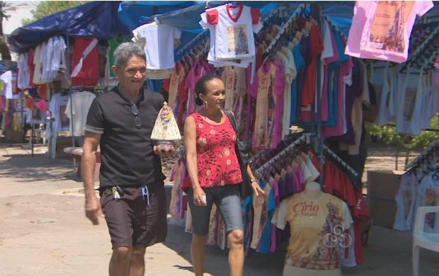 Vendas de produtos religiosos aquecem o comércio informal do Amapá. (Foto: Reprodução/TV Amapá)