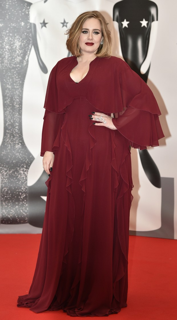 Adele no BRIT Awards (Foto: AFP)