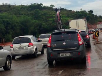 Volta do feriado tem lentidão nas chegadas de BH, como a BR-040 (Foto: Isabela Scalabrini/TV Globo Minas)