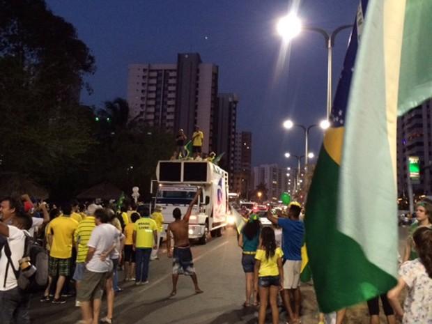 Protesto terminou às 18h23, na Praça do Sol, em São Luís (Foto: Sidney Pereira/TV Mirante)
