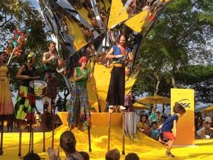 """Coletivo PernAlta apresenta espetáculo """"Bora Brincar' em Petrópolis (Foto: Divulgação/Sesc Rio)"""