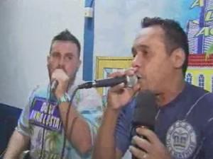 Intérpretes da escola de samba Vila Mathias (Foto: Reprodução/TV Tribuna)