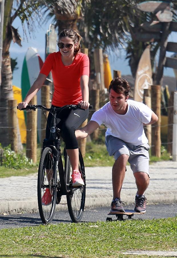Klebber Toledo e Camila Queiroz (Foto: Dilson Silva/ AgNews)