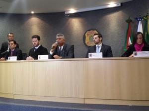 Polícia Federal fala em coletiva de imprensa sobre a 32ª fase da Lava Jato  (Foto: Alana Fonseca / G1)