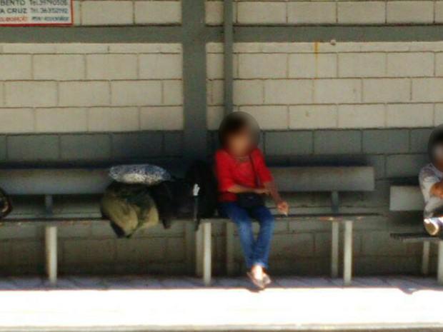 Mãe de Michel Pierri Cintra é fotografada quando seguia para São Paulo (Foto: Polícia Federal/Divulgação)