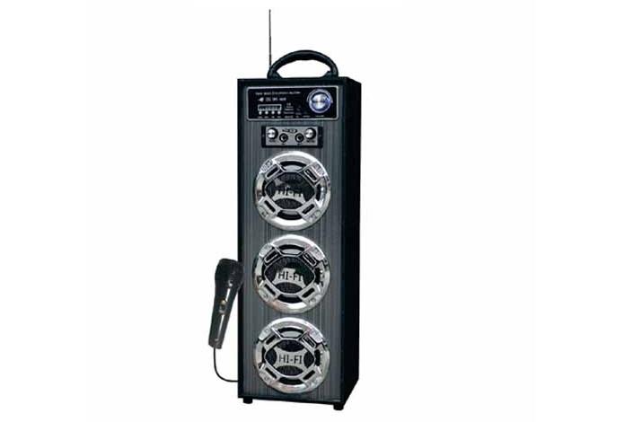Caixa de som amplificada X-Cell 15 W RMS (Foto: Divulgação/X-Cell)