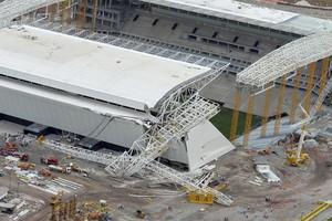 FOTOS: imagem aérea mostra acidente no estádio do Corinthians (José Patrício/Estadão Conteúdo)