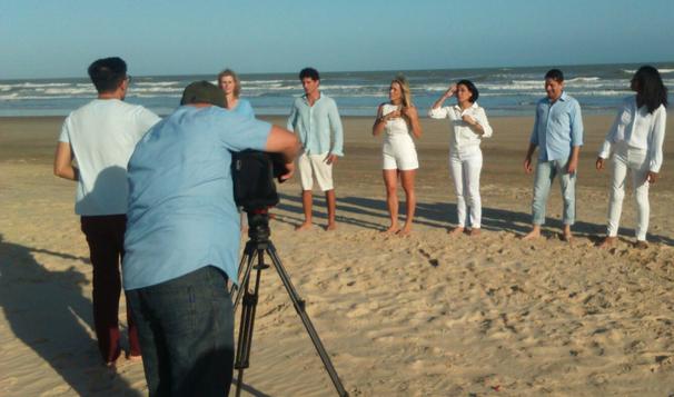 Apresentadores e repórteres participam de vídeo de fim de ano da TV Globo (Foto: Divulgação / TV Sergipe)