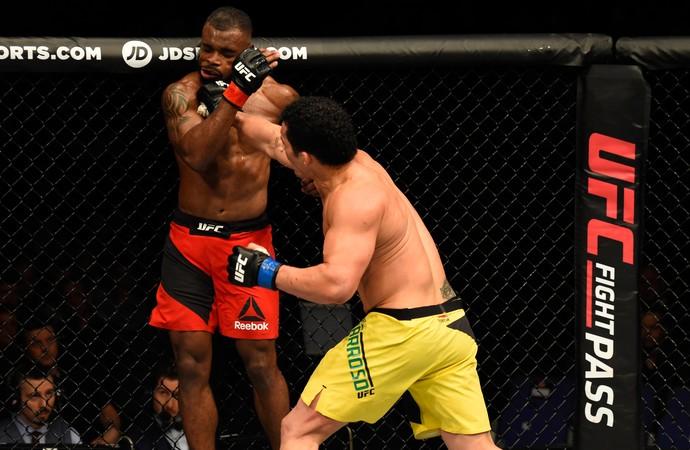 Francimar Bodão Darren Stewart UFC Londres (Foto: Getty Images)