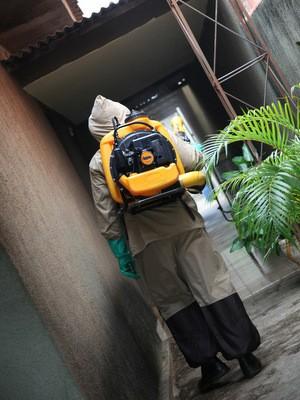 Sucen auxilia CCZ no combate ao mosquito da dengue em Santa Bárbara (Foto: Prefeitura/Divulgação)