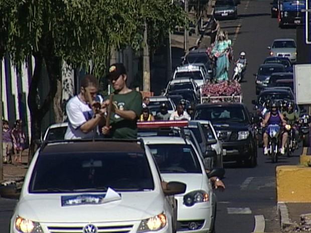 Carreata de Nossa Senhora da Abadia em Uberaba (Foto: Reprodução/TV Integração)