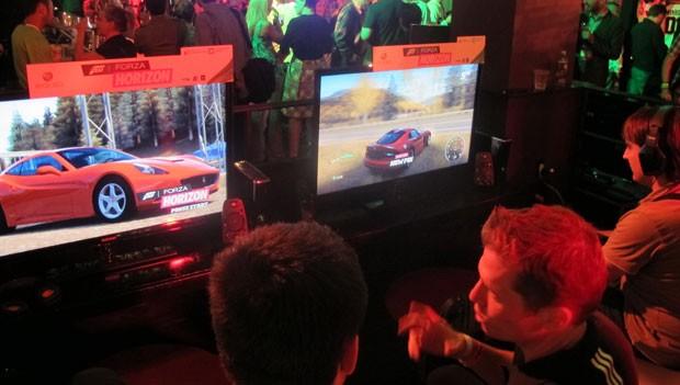'Forza Horizon' foi um dos games que a Microsoft deixou que os jornalistas jogassem em evento fechado na E3 (Foto: Gustavo Petró/G1)
