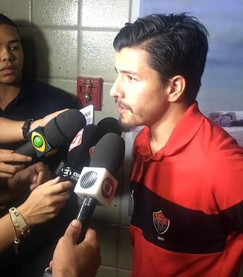 Vitória; Cárdenas (Foto: Divulgação/E.C. Vitória)