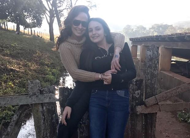 Núbia Oliiver e a filha, Anne (Foto: R2/ Divulgação)