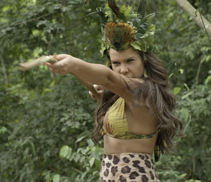 Mel se veste de índia e atua para suposto diretor (Foto: TV Globo)