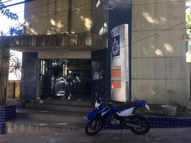 Cantora agredida por taxista registrou o caso na 7ª Delegacia, em Salvador, Bahia (Foto: Dalton Soares/ TV Bahia)