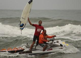 Bino Lopes é campeão brasileiro de surfe (Foto: Marcelo Pires)