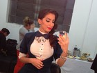 Anitta posta foto com look de gala