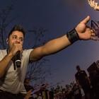 Cristiano Araújo se apresenta no camping (Mateus Rigola/G1)