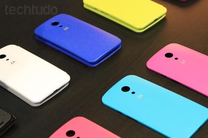 Moto G tem câmera de 8 megapixels com flash e tampas coloridas que podem ser trocadas (Foto: Isadora Díaz/TechTudo)