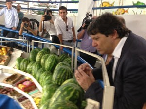 Prefeito visita Mercado Municipal de Pinheiros (Foto: Tatiana Santiago/G1)