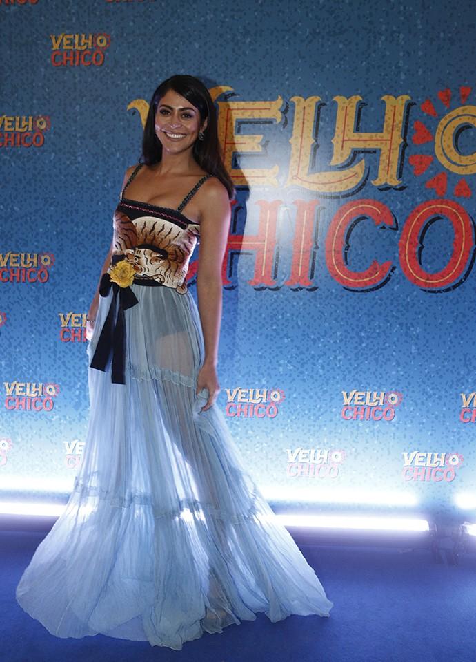 Carol Castro arrasa na transparência do vestido (Foto: Inácio Moraes/Gshow)