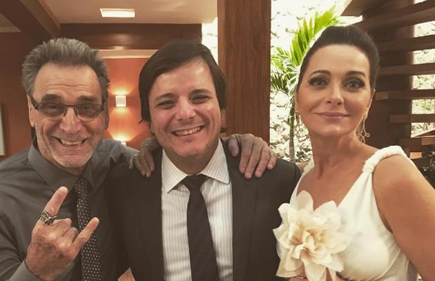Herson Capri, Thelmo Fernandes e Alexandra Richter nos bastidores do casamento de Eva e Gordo (Foto: Reprodução Instagram)