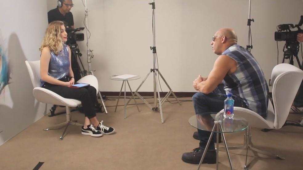 Vídeo mostra entrevista de Vin Diesel e youtuber brasileira sem edição (Foto: Reprodução/Facebook Vin Diesel)