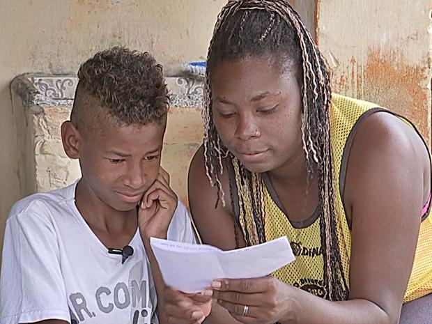Mãe de Pedro Henrique espera ver sonho do filho realizado (Foto: Reprodução/TV TEM)