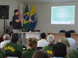 Encontro reuniu autoridades locais e representantes de secretarias (Foto: Aritana Aguiar)