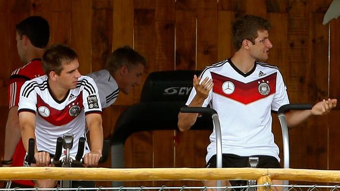 Lahm Thomas Muller alemanha musculação (Foto: Agência Reuters)