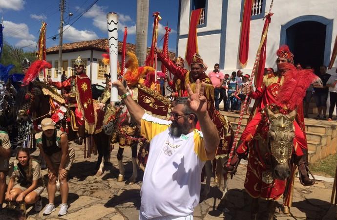 Tocha olímpica chega a Corumbá de Goiás (Foto: Guilherme Gonçalves/GloboEsporte.com)