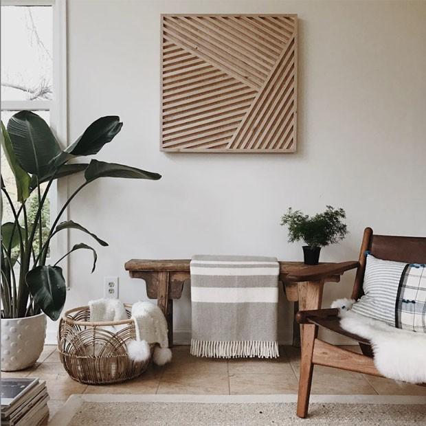 Décor do dia: sala de estar clara, quente e com materiais naturais (Foto: reprodução)