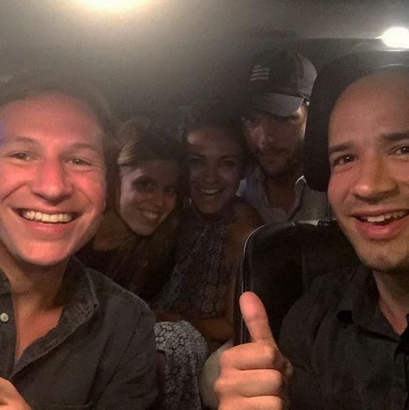 Dave Clark, Princesa Beatrice, Mila Kunis e Ashton Kutcher (Foto: Reprodução/Instagram)