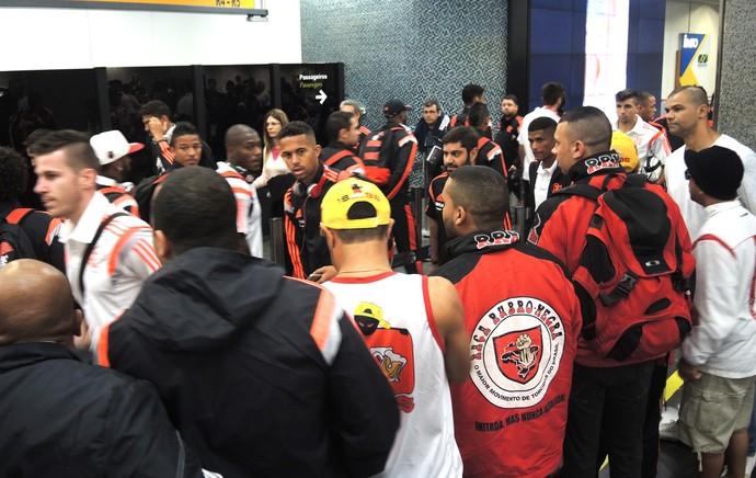 Mattheus Protesto Flamengo (Foto: Cahê Mota)