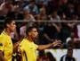 Brasil goleia a Colômbia e se isola na liderança das eliminatórias do Mundial