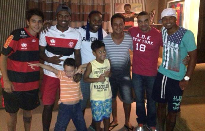 Vagner Love comemora Flamengo (Foto: Reprodução/Facebook)