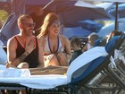 Mais cheinha, Lady Gaga curte dia de praia em Porto Rico