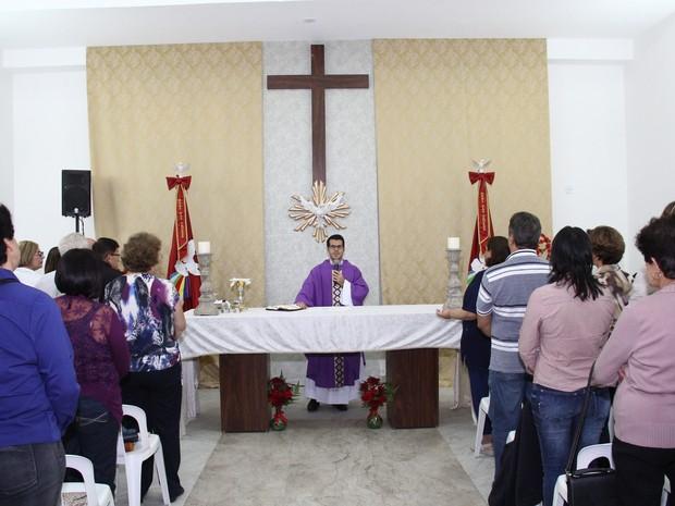 Missa na Capela do Divino Espírito Santo de Mogi das Cruzes (Foto: Jose Carlos Cipullo/ divulgação)