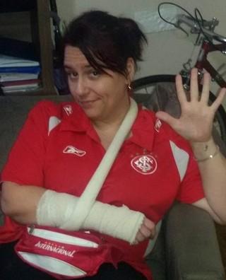 Torcedora Inter atingida por cadeira no Beira-Rio (Foto: Arquivo Pessoal)