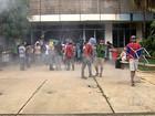 Estudantes que ocupam escolas fazem novo protesto contra OSs