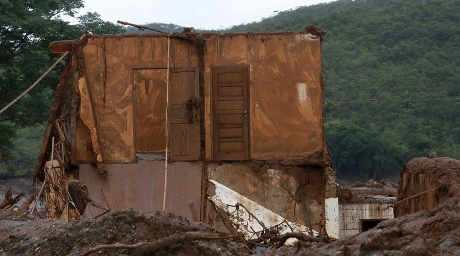 Região de Mariana: destruição pela lama (Foto: Wikimedia Commons)