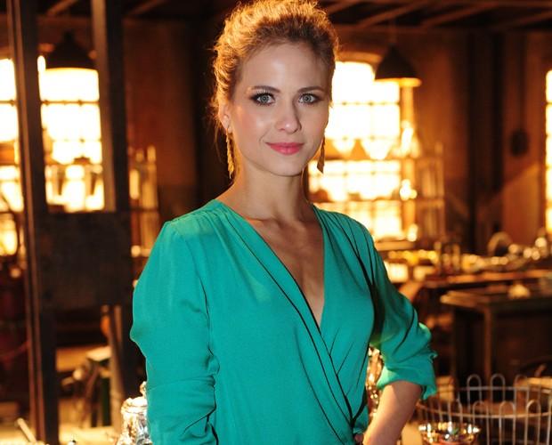 Luiza Valdetaro estreia em Joia Rara na pele da personagem Hilda (Foto: João Cotta/ TV Globo)