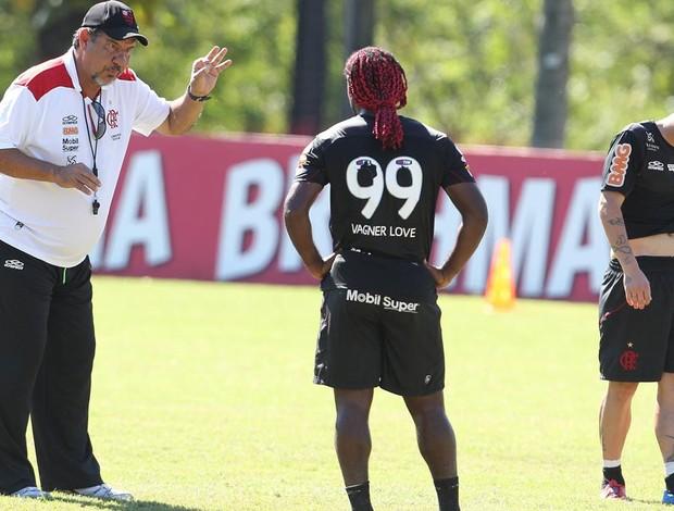 Joel e Vagner Love treino Flamengo (Foto: Jorge William / Agência O Globo)