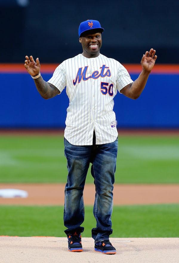O rapper 50 Cent após seu lançamento vergonhoso em uma partida de beisebol em 2014 (Foto: Getty Images)