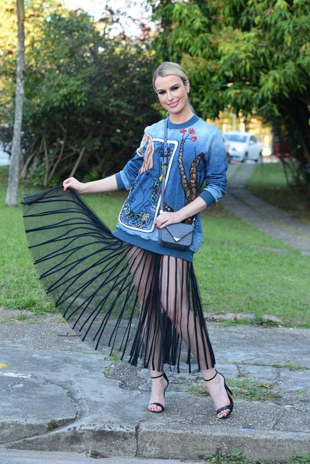 Fernanda Keulla e seu look diferente (Foto: AgNews / Leo Franco)