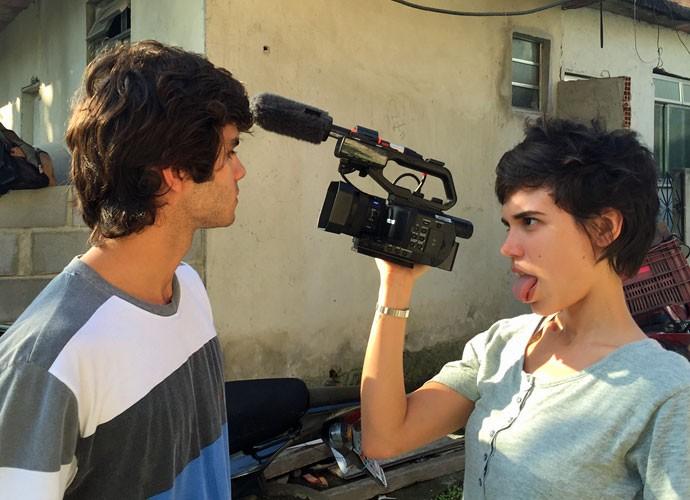 A dupla mostra sintonia nos bastidores das gravações (Foto: Arquivo Pessoal)