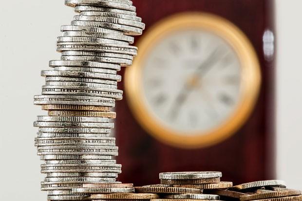 Tempo e dinheiro (Foto: Pixabay)